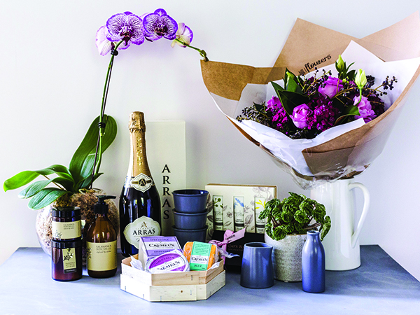 Photo of hampers and gifts with delivery Australia-wide